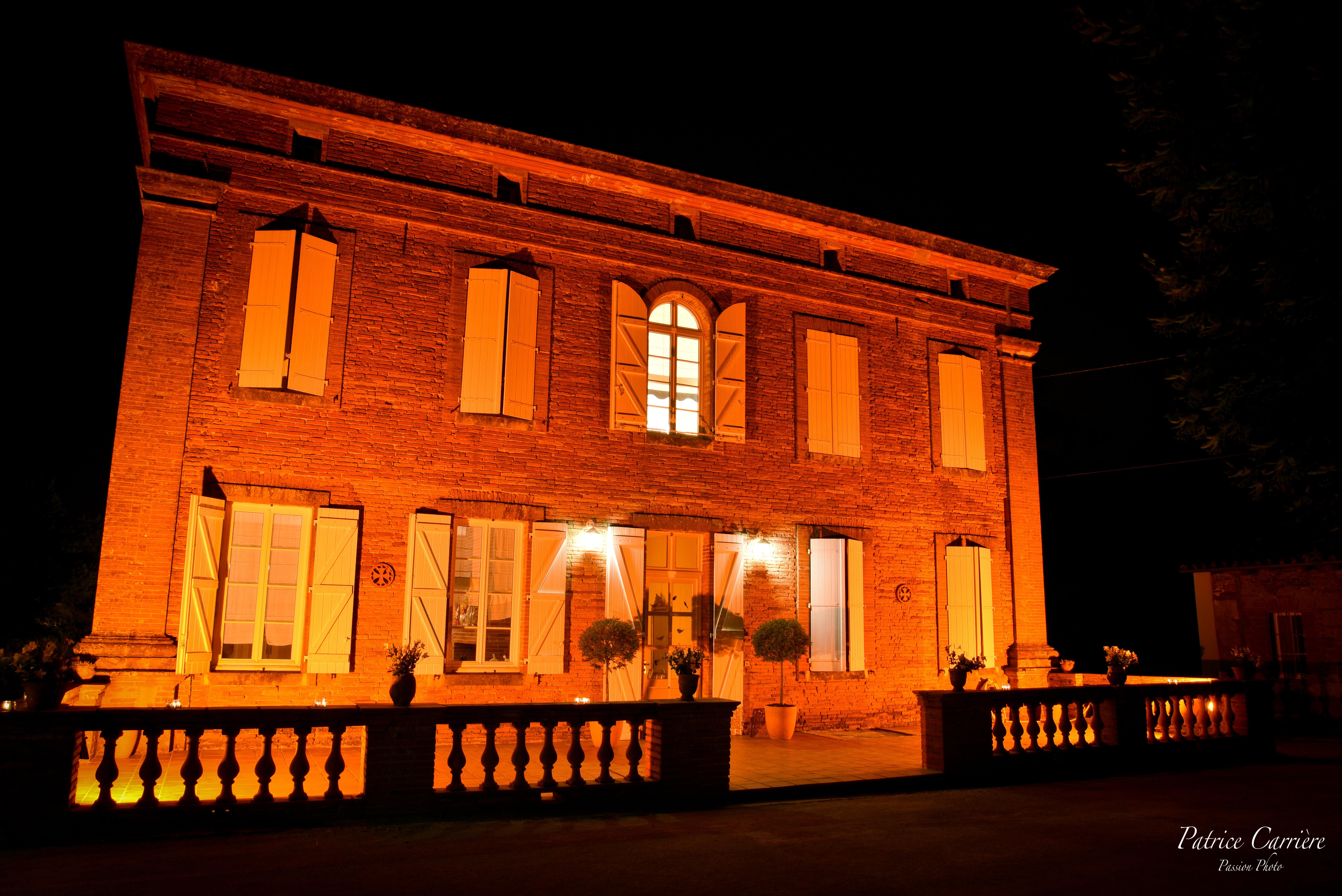 Façade Chateau Lartus