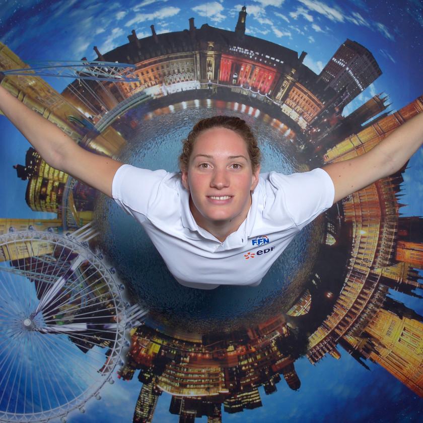studio photo de l'Œil du Plafond pour les jeux olympiques de londres portrait de camille muffat