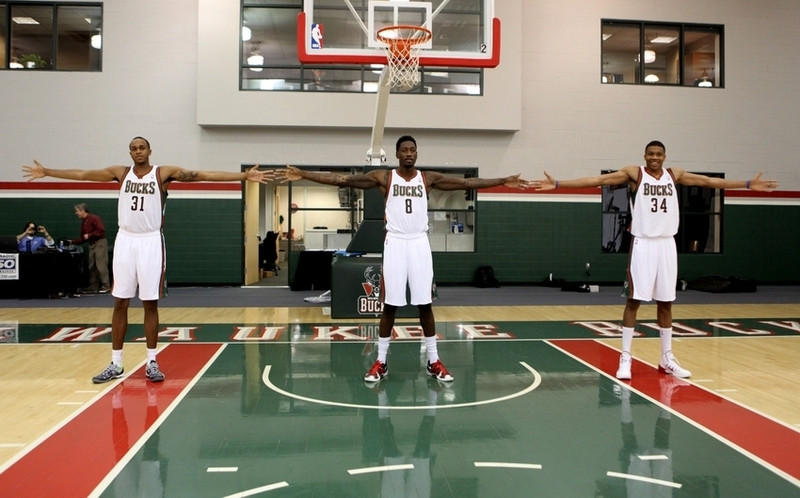 henson_sanders_giannis_around_the_game