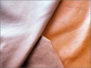 茶色い牛革の重なり