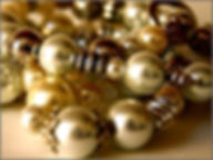 金色のパールビーズアクセサリー