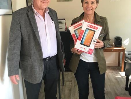 2020 opérations tablettes : dons aux Ephad et Hopitaux