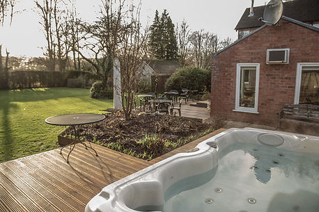 The hot tub at Rosehill Manor