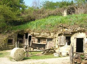 Vallee-troglodytique-des-Goupillieres.jp