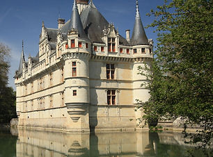 chateau azay_edited.jpg
