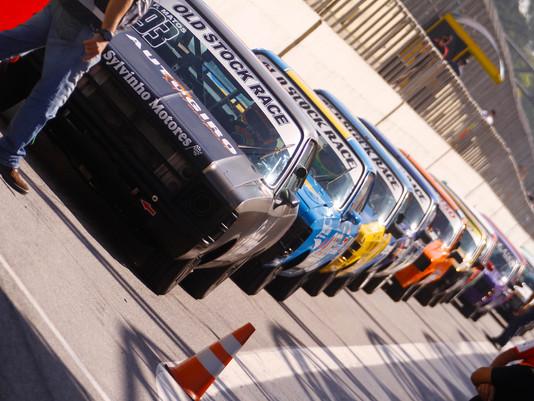 Old Stock Race Realiza a Terceira Etapa em Interlagos