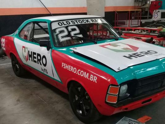 Ícone do automobilismo, Paulão Gomes realiza sonho em Interlagos: correr ao lado do filho, também ca