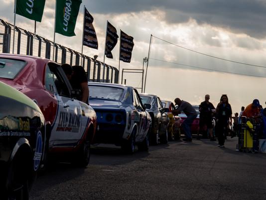 Prova histórica e grid de respeito no Autódromo Velo Città
