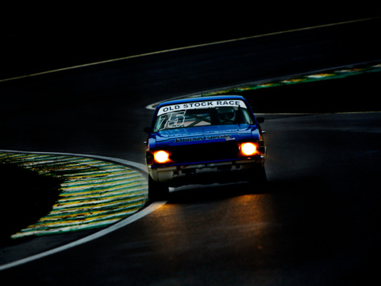 Old Stock Race - Prova Noturna Resgata o Charme do Automobilismo
