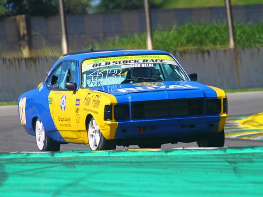 Rodrigo Helal garante a pole position para a segunda etapa da Old Stock Race