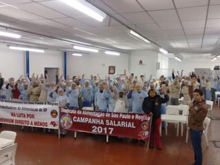 TRABALHADORES DO SETOR DE CACAU E BALAS REJEITAM PROPOSTA PATRONAL