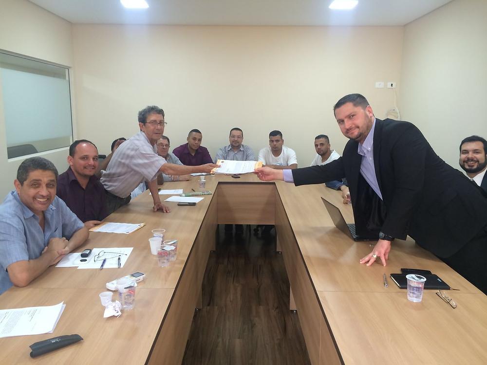 1ª reunião com representantes da empresa Yoki e comissão de trabalhadores no sindicato