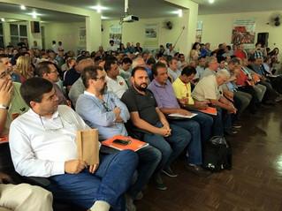 Carlão discursa na Força e demonstra descontentamento da categoria com o projeto da terceirização