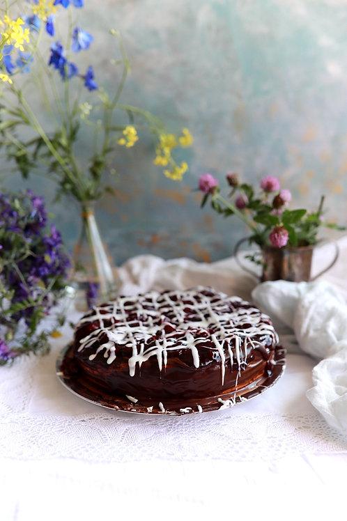 Sernik w czekoladzie z wiśniami