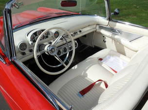 Ford Thunderbird 1956 interior