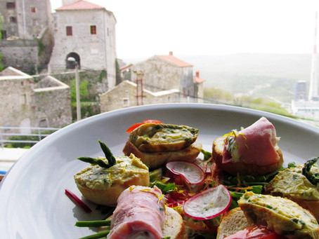Asparagus and cuttlefish in the restaurant Dorina, Plomin