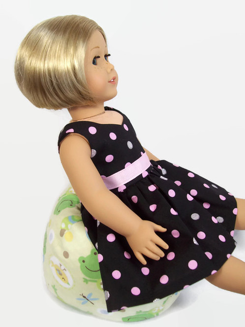 Your Doll Will Be Cozy In This Bean Bag Chair Made With A Pale Yellow Flannel Fabric Frogs And Dragonflies The Is Filled