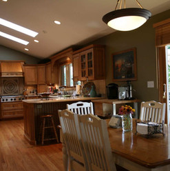 Hickory Kitchen - Table Area
