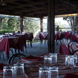 mangiando_nel_ristorante_della_azienda_a