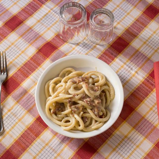 mangiando_una_spaghettata_nel_ristorante