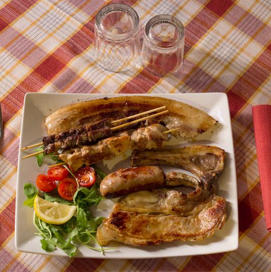 mangiando_km0_nel_ristorante_della_azien