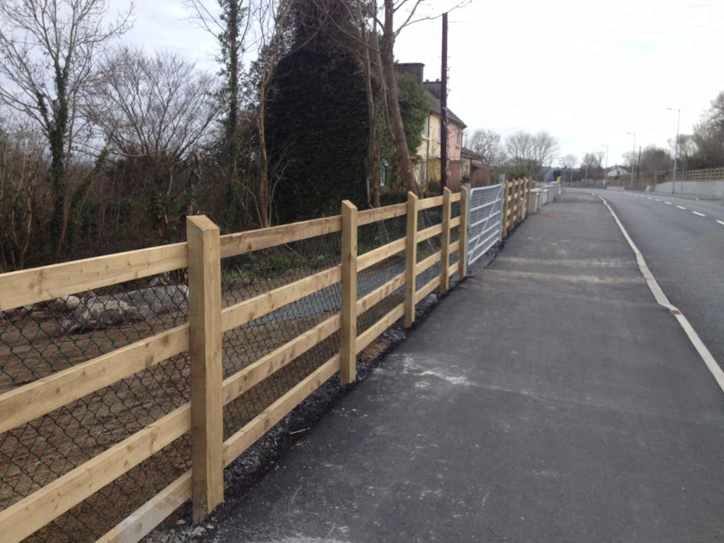 RCD-Timber-post-and-rail-fence.JPG