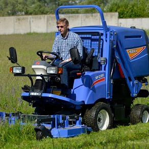COMMERCIAL GRASS MOWERS