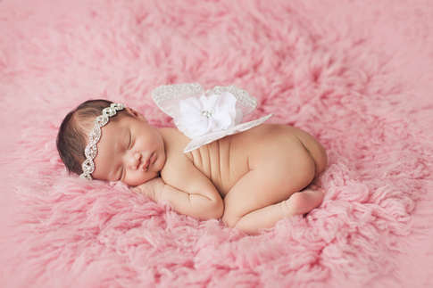 leawood, ks newborn photographer