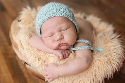 newborn photographer in kansas city