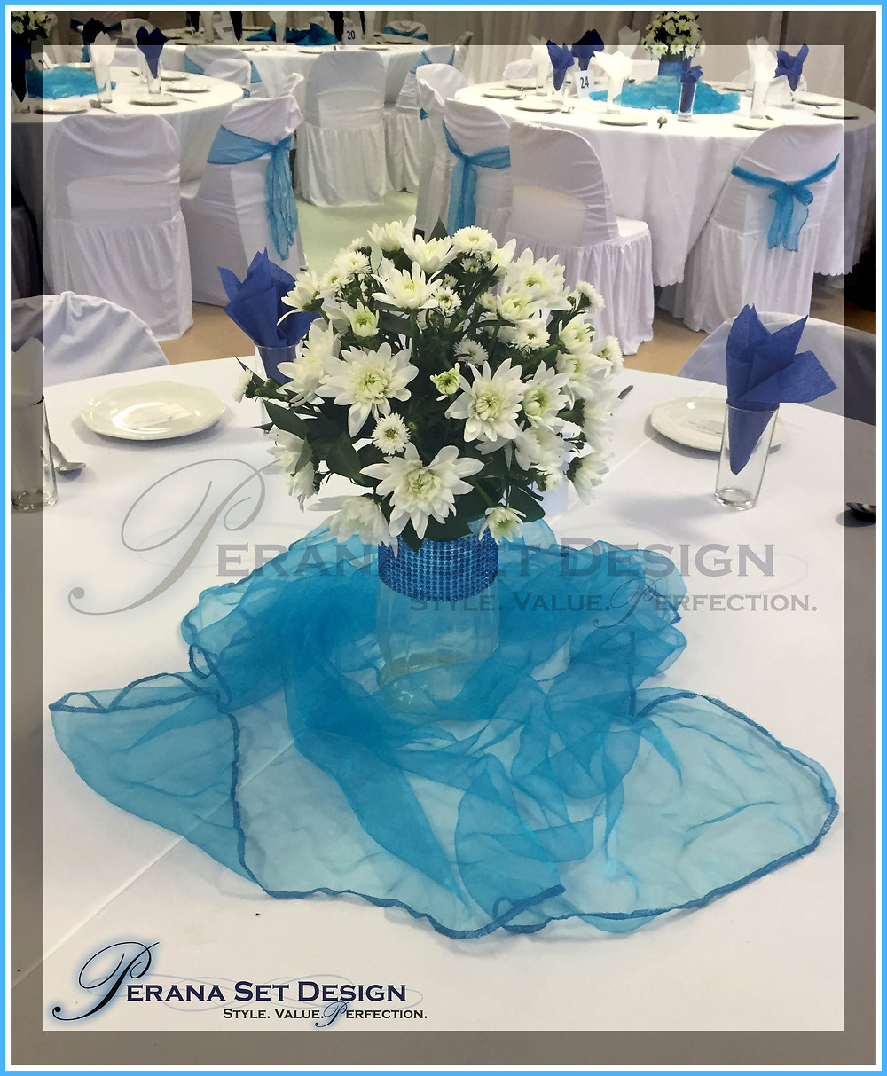 Flowers by Perana Set Design, sponsored for Phoenix Child Welfare