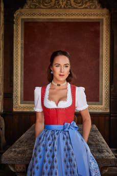 Dirndl Marie Erdbeere