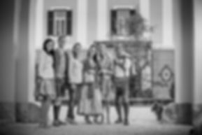 Familienfoto_schwarz-weiß.jpg