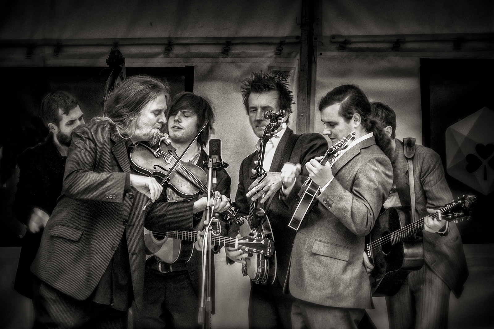 MONO - Blue Grass Festival by Mary Hill (8 marks)