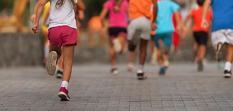 Running children, young athletes run in