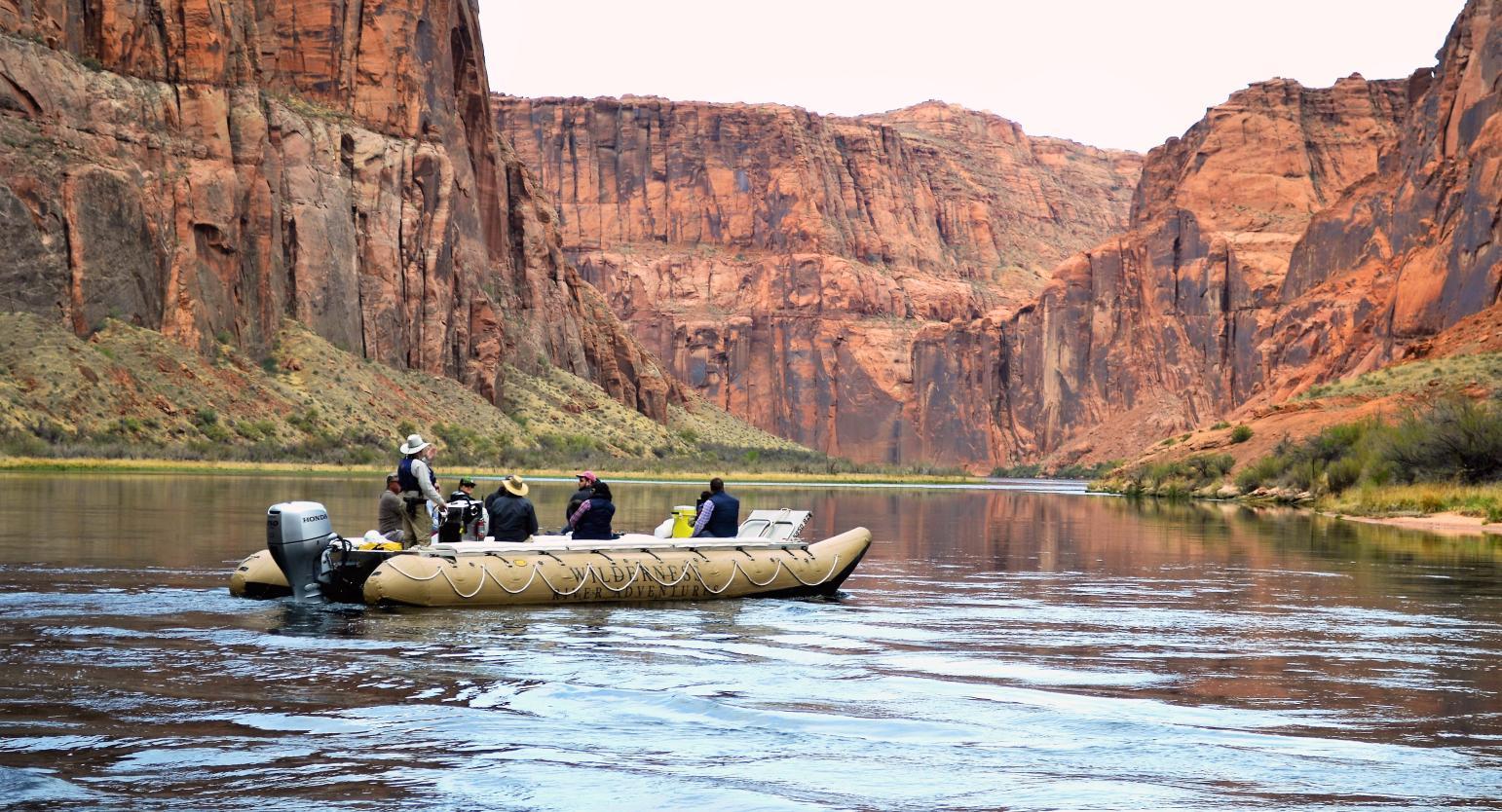 RS9602_DSC_9920-passengers-on-river-raft