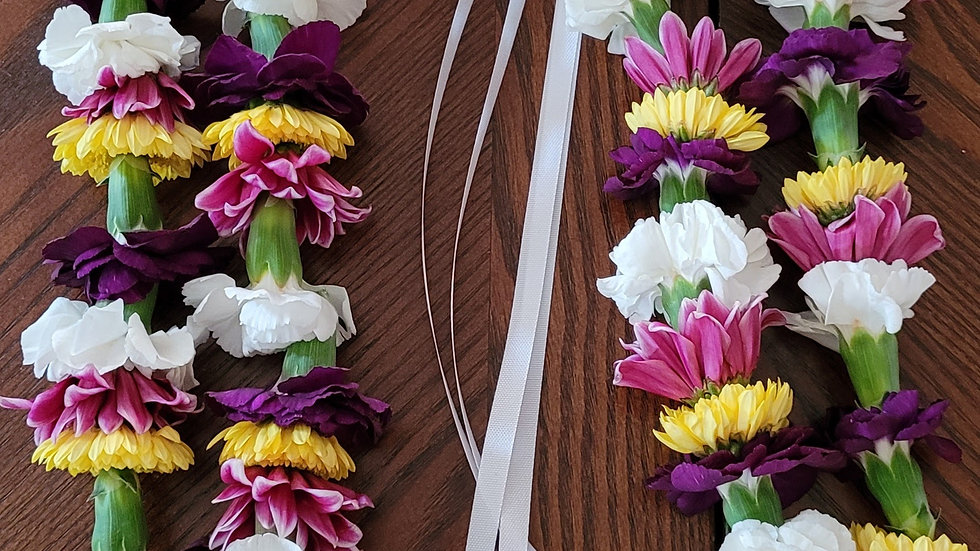2 Strands Mini Carnations and Daisies Lei
