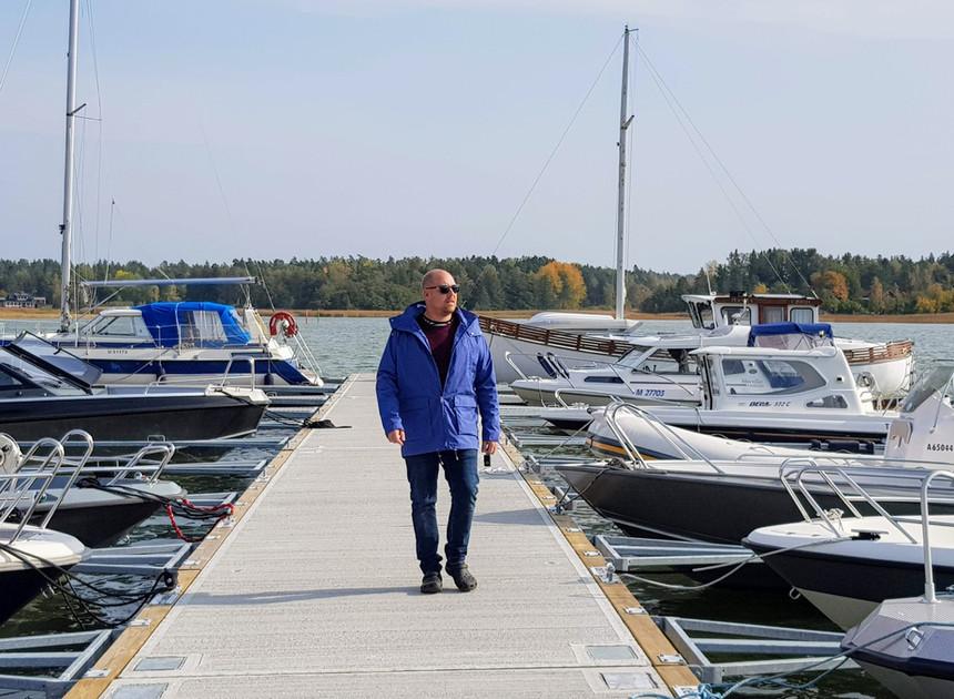Säsongs- och demobryggan i Kalkholmen Marina