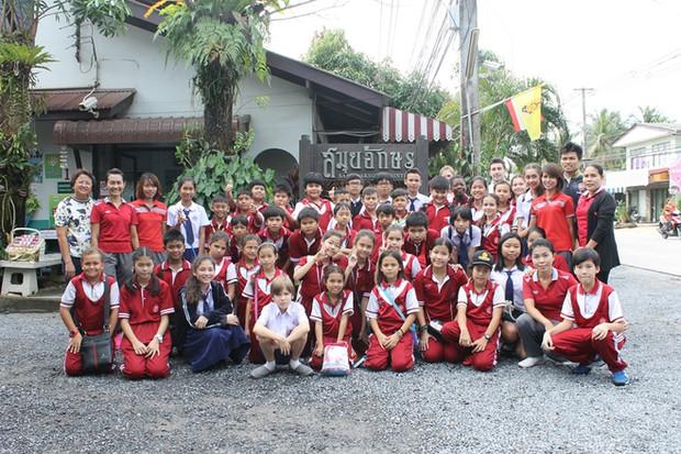 ต้อนรับนักเรียนโรงเรียนอุ่นรักเกาะสมุย (29/01/2016)