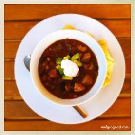Football Party Food: Slow Cooker Chili Recipe