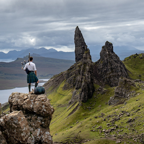 TRAVEL THROUGH SKYE TO THE TUNE OF THE BAGPIPES