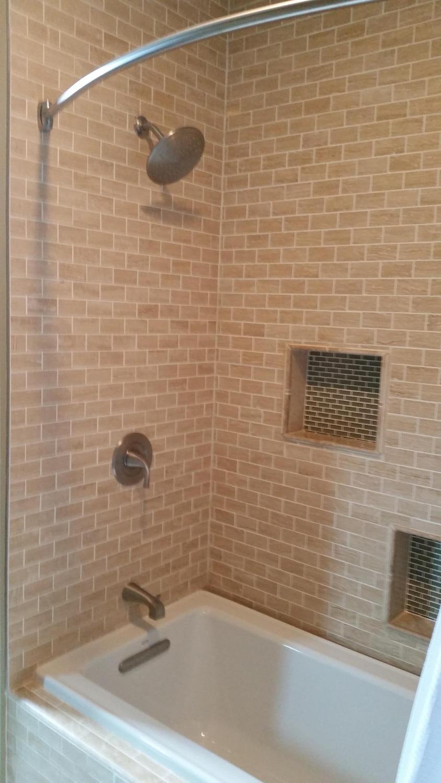 Shower / Tub