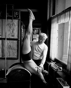 joseph_pilates_barril.jpg