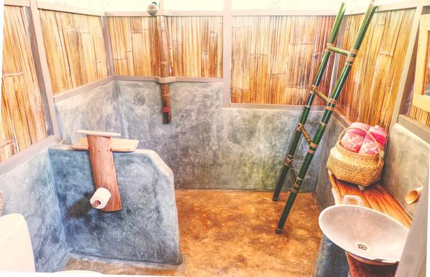 Poki Poki Togian Islands Bungalow Bathroom.jpg