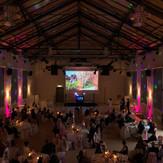 Technik mit Ambientelicht für eine Hochzeit in Görlitz