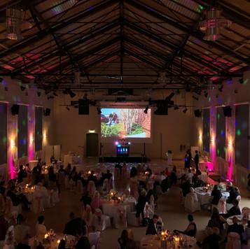 Technik mit Ambientelicht für eine Hochzeit in Chemnitz