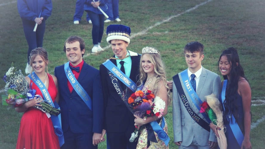 Runnerups with King and Queen.jpg