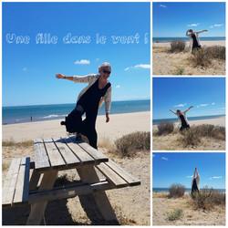 Une fille dans le vent