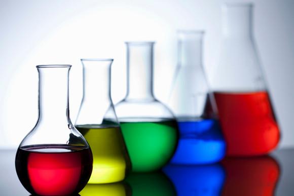 chemistry-glassware-56a12a083df78cf77268