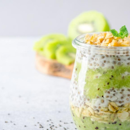 Un entremets 100 % végétal, parfait pour un petit déjeuner ou un goûter. À préparer la veille de pré