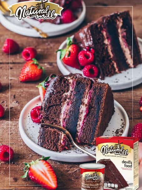 Pastel de Chocolate relleno de Frambuesa